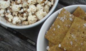 Popcorn au gomasio et crackers à l'avocat