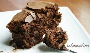 Gâteau mousseux au chocolat poivré