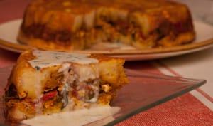 Gasteau , poulet , ratatouille , accompagné d'une sauce roquefort