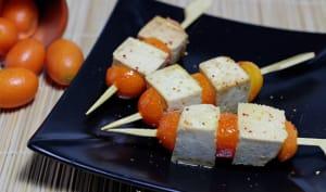 Brochettes de tofu laqué aux kumquats et citron vert