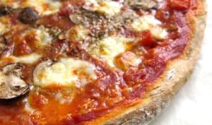 Pizza forestière, champignons et mozzarella