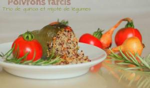 Poivrons farcis au quinoa et mijotés de légumes.