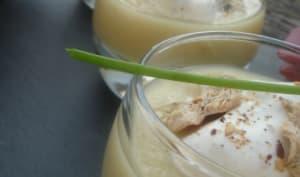 Velouté de céleri rave, chantilly châtaigne et foie gras, copeaux de foie gras d'oie