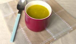 Soupe de ratabaga et brocoli à la noix de muscade