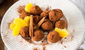 Truffes au chocolat, orange et cannelle