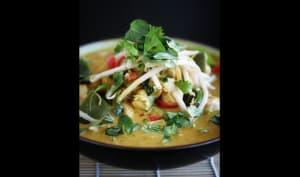 Curry jaune de poulet au lait de coco