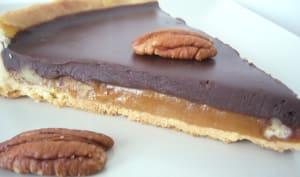Tarte aux noix, caramel et chocolat