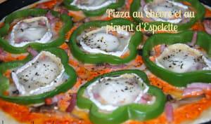 Pizza au chèvre et au piment d'Espelette