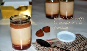 Yaourts à la truffe au chocolat et à la framboise