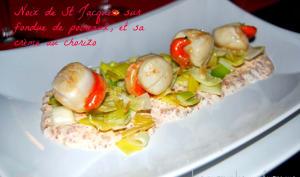 Noix de Saint Jacques, fondue de poireaux et sa crème au chorizo