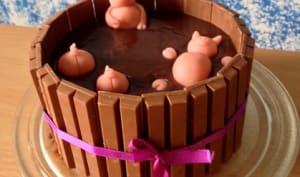 Gâteau drôle les cochons dans la boue