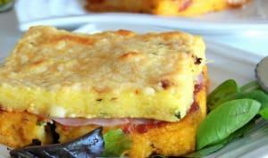 Croque polenta à la mozzarella, pancetta et sauce arrabiata