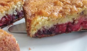 Crumble cake aux fruits rouges