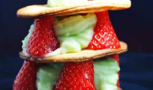 Mille feuilles sablé, fraises et crème patissière à la menthe