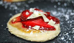 Mini Flammekueches aux fraises et au chocolat blanc