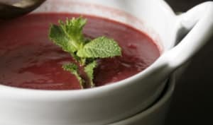 Soupe froide betterave, kiwi et framboise