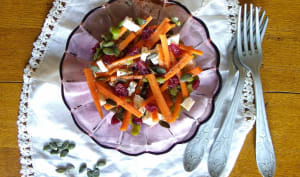 Salade de carotte, pois cassés, cranberry et chèvre, sauce au citron