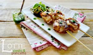 Plancha brochettes roulés de lotte au pesto et pancetta