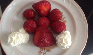 Salade de fraises au vinaigre balsamique