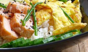 Chirashi sushi au saumon