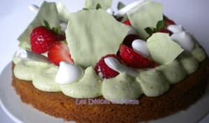 Gâteau aux fraises framboises et pistaches