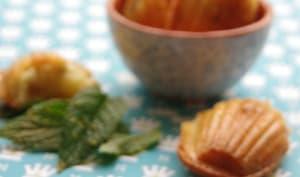 Madeleines à la menthe et aux écorces de citron