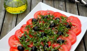 Salade de tomates et de pourpier d'été