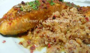 Saumon au beurre épicé et au quinoa