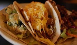 Tacos au poulet et à l'avocat
