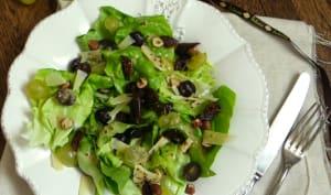 Salade d'automne mi-figue, mi-raisins, aux noisettes et pecorino, vinaigrette au miel
