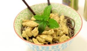 Poulet au curry et soba