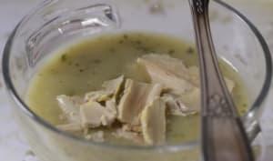 Velouté de poireaux et courgette aux copeaux de foie gras