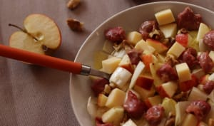 Salade hivernale, endives, pommes, noix, emmental et gésiers
