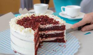 Gâteau à étages, chantilly et chocolat