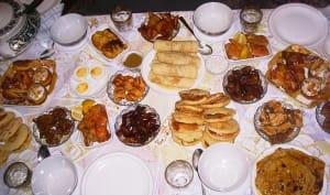 Table dressé pour le Ftour pendant le ramandan