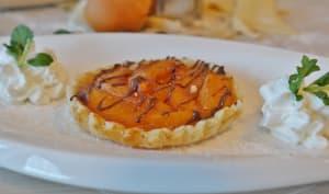 Tartelette aux abricots et coulis de chocolat