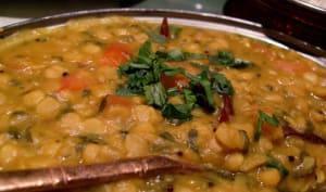 Dahl au curry et épinards