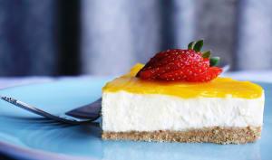Part de cheesecake sans cuisson