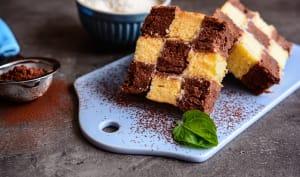 Tranches de gâteau damier au chocolat