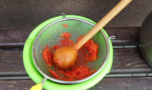 Préparation d'une purée de tomates