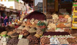 Souk dans la ville d'Assouan