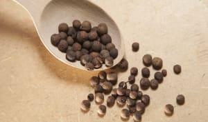 Piment de la Jamaïque en grains