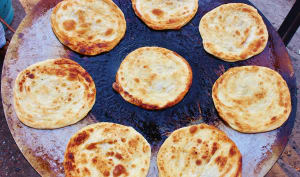 Cuisson de pain paratha