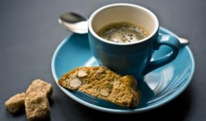 Tasse de café et biscotti