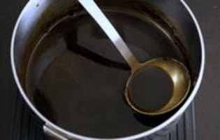 Chapon farci au foie gras : le jus de cuisson - Etape 5