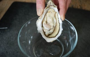 Ouvrir les huîtres facilement - Etape 8