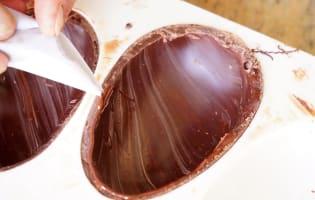 Gros oeufs en chocolat - Etape 11