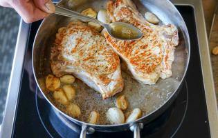 Côtes de veau à la gousse d'ail - Etape 5