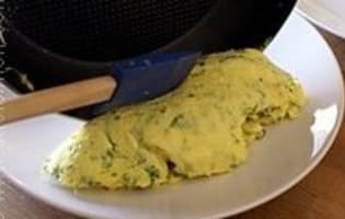 Omelette roulée aux fines herbes - Etape 10