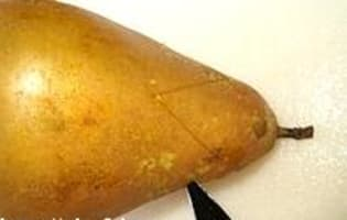 Poires pochées au Sauterne - Etape 1